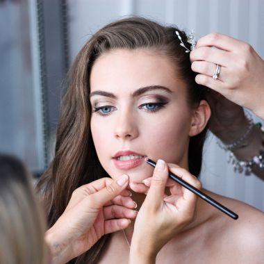 bridal makeup masterclass 1-2-1 makeup course
