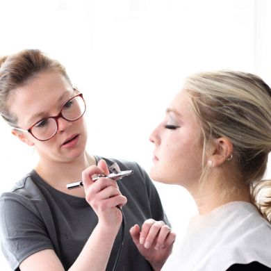 book your makeup course